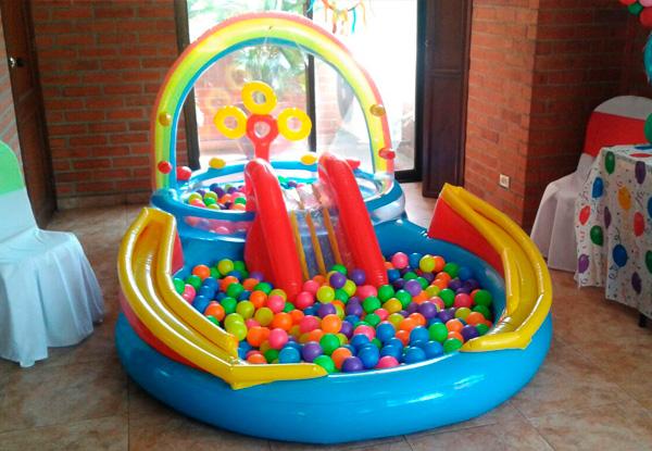 Alquiler de piscina de pelotas cali recreaci n que buena for Piscina bebe con parasol